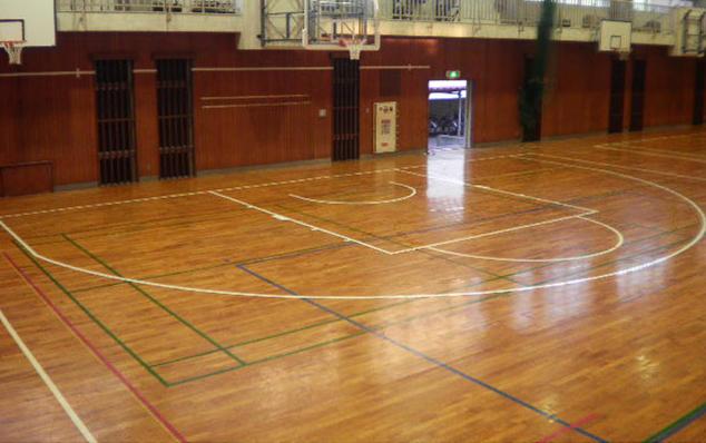 バスケットボールコートライン部分変更工事施工後のようす1