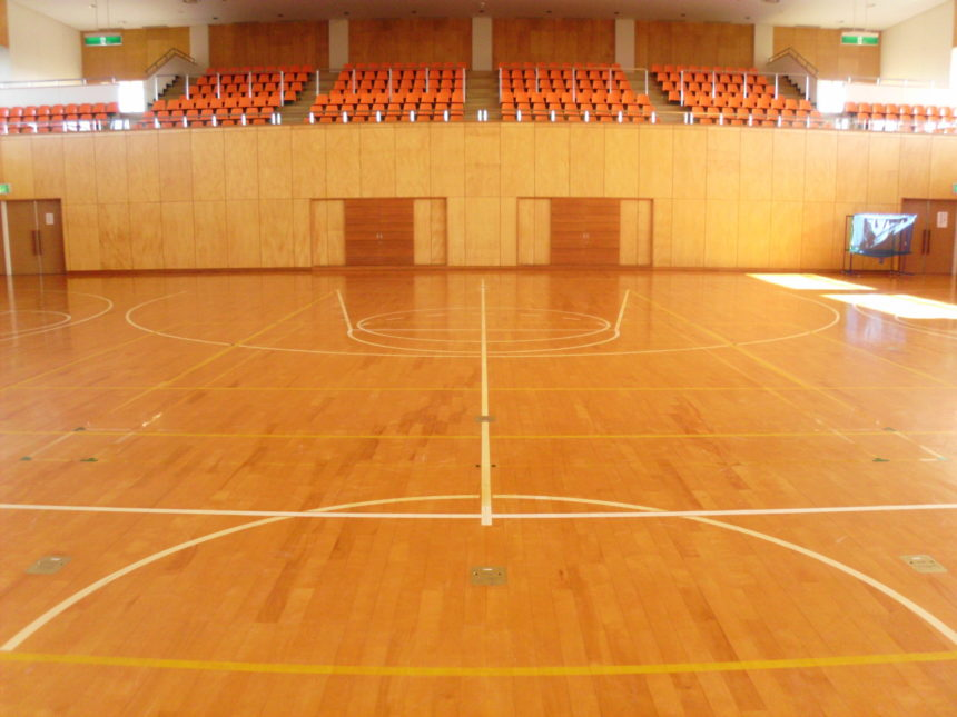 バトミントンコート・バスケットボールコートライン引き