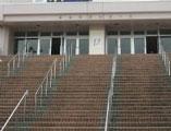 新潟県G市体育館
