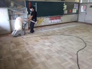 中野市 床研磨塗装2