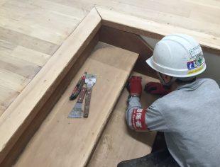 松本市中学校床研磨塗装