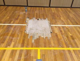 体育館の床改修工事1