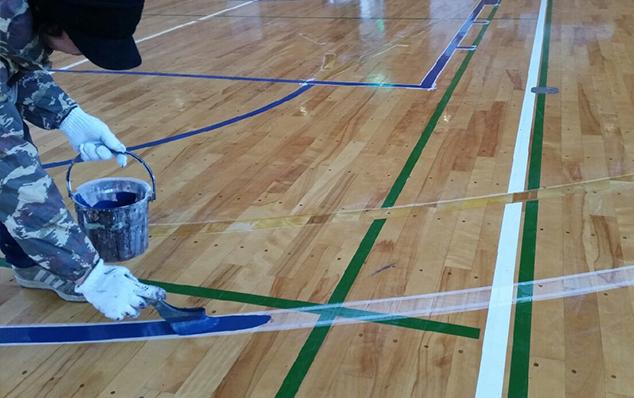 コートラインプロバスケットボール改線・コートライン引きのようす