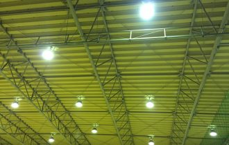 体育センター床研磨塗装