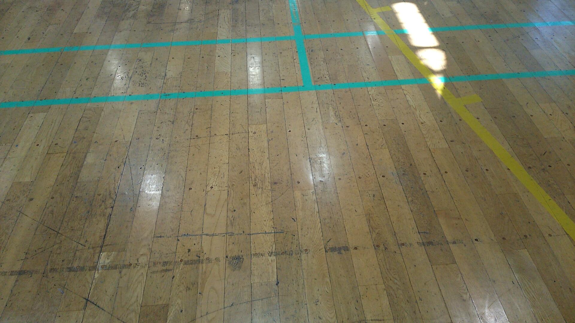 駒ヶ根市・体育館床研磨塗装