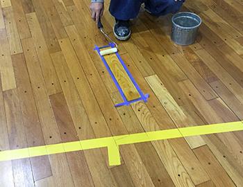 体育館床フローリング着色塗装